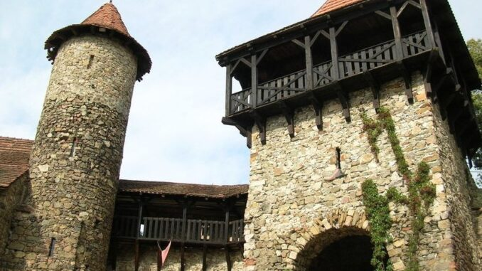 Nový hrad u Adamova