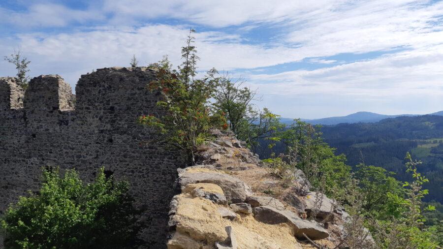 pohled na hrad Andělská Hora