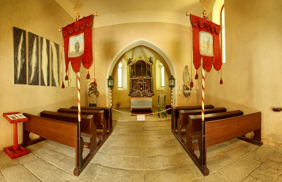 Kostel Ratměřice