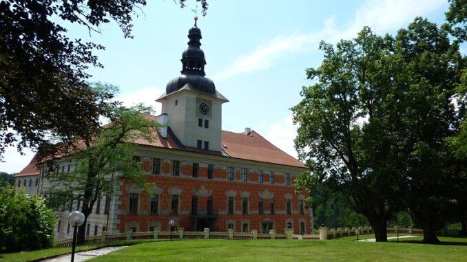 Petr Vok si oblíbil zámek Bechyně
