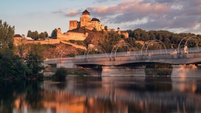 Stezka sv. Cyrila a Metoděje a Trenčianský hrad