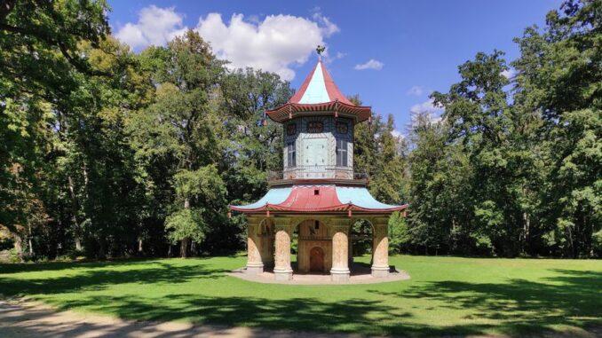 zámecký park Vlašim a čínský pavilon