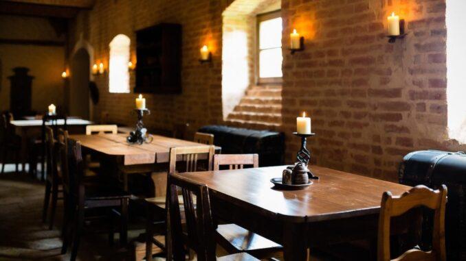 Interiér Středověké krčmy, stoly, svícny - resort Dětenice