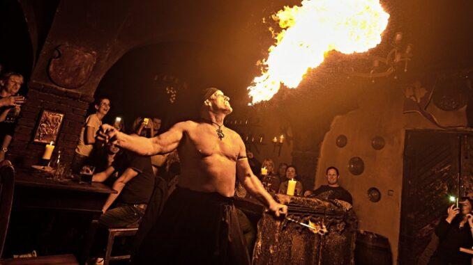 Ohnivá show, muž, ohnivý dech
