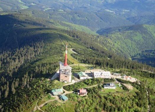 Lysá hora a vysílač