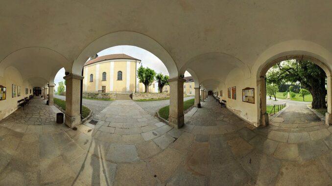 Ambity, areál kláštera