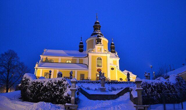 Zima, kostel, osvětlení