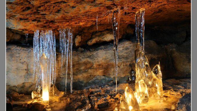 Ledopády v jeskyni Víl