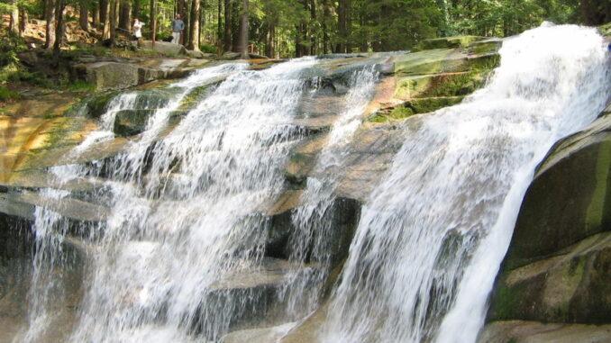 Mumlavský vodopád v létě