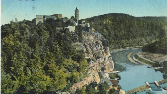 Hrad na staré pohlednici