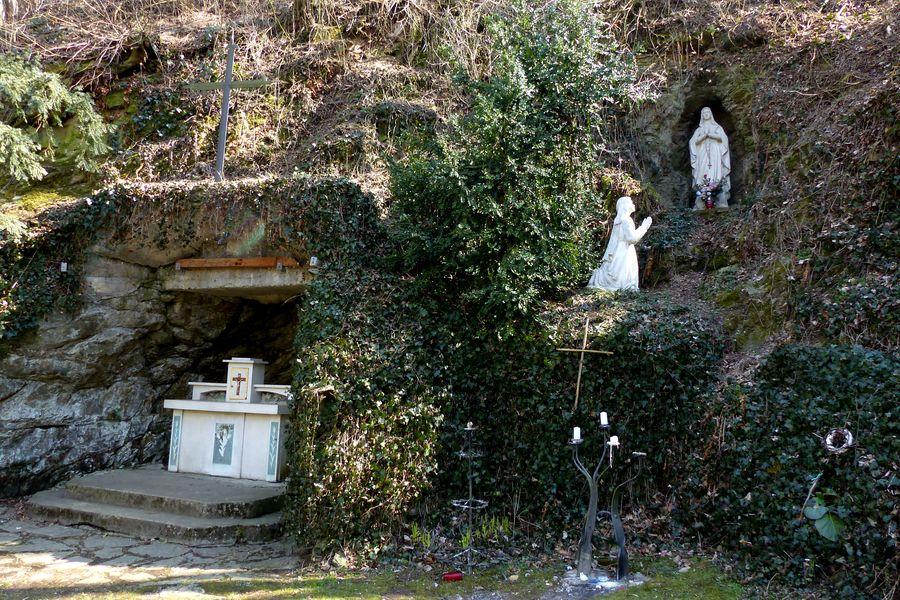 Lurdská jeskyně-Hluboké Mašůvky