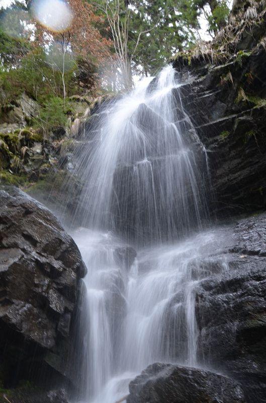 Kýšovický vodopád na Chomutovsku je nejkrásnější na jaře.