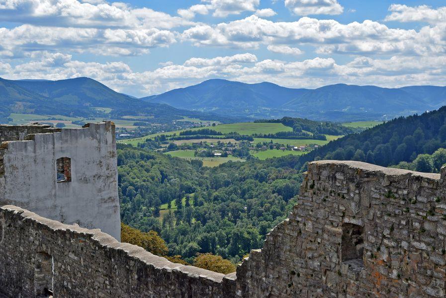 výhled z hradu Hukvaldy