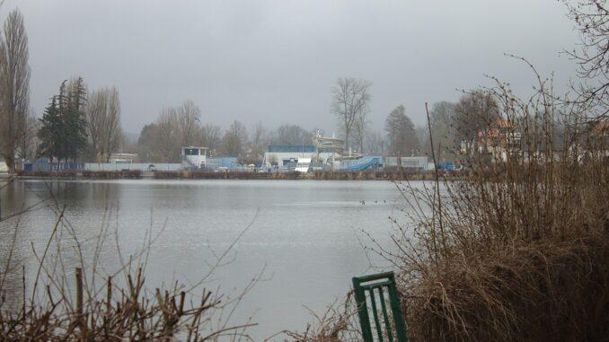 Cipískova stezka vede i kolem rybníku Kníže