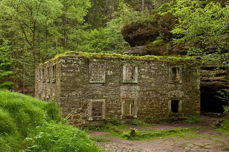 Dolský mlýn, zřícenina mlýna v Národním parku České Švýcarsko. Foto: Mirek Fišera