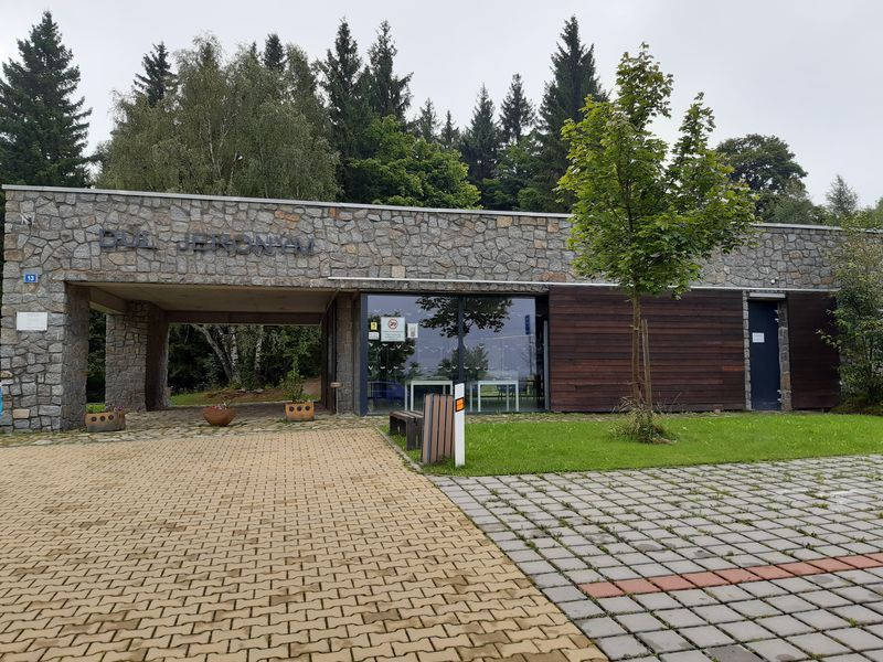 Vstupní hala, důl Jeroným v Karlovarském kraji. Foto: Anna Petruželková