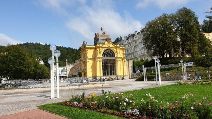 Mariánské Lázně a lázeňská kolonáda. Foto Anna Petruželková