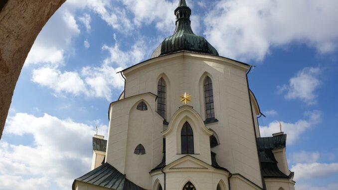 Poutní kostel sv. Jana Nepomuckého na Zelené hoře. Foto: Anna Petruželková